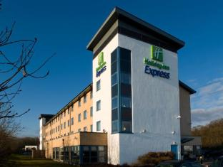 /et-ee/holiday-inn-express-swindon-west-m4-jct-16/hotel/swindon-gb.html?asq=jGXBHFvRg5Z51Emf%2fbXG4w%3d%3d