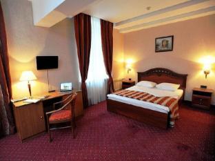 Oksana Hotel