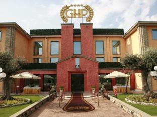 /hi-in/grand-hotel-del-parco-bergamo-airport/hotel/stezzano-it.html?asq=jGXBHFvRg5Z51Emf%2fbXG4w%3d%3d