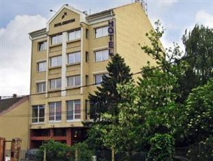 /vi-vn/hotel-chesscom/hotel/budapest-hu.html?asq=jGXBHFvRg5Z51Emf%2fbXG4w%3d%3d