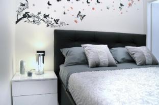 /el-gr/home-sweet-home-via-duomo/hotel/naples-it.html?asq=jGXBHFvRg5Z51Emf%2fbXG4w%3d%3d