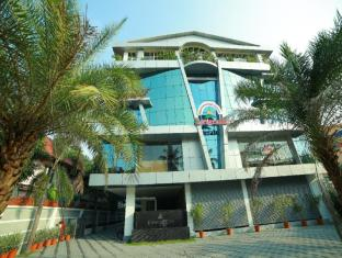 /ca-es/nakshatra-emerald-inn/hotel/guruvayoor-in.html?asq=jGXBHFvRg5Z51Emf%2fbXG4w%3d%3d