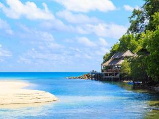 Captain Hook Resort
