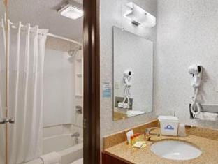 /da-dk/days-inn-denton/hotel/denton-tx-us.html?asq=jGXBHFvRg5Z51Emf%2fbXG4w%3d%3d