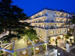 /et-ee/grand-hotel-la-favorita/hotel/sorrento-it.html?asq=jGXBHFvRg5Z51Emf%2fbXG4w%3d%3d
