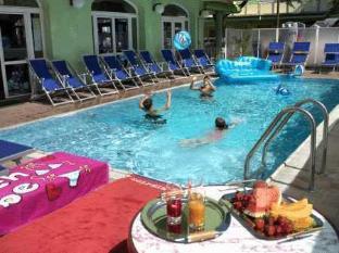 /ko-kr/residence-eurogarden/hotel/rimini-it.html?asq=jGXBHFvRg5Z51Emf%2fbXG4w%3d%3d