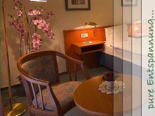 /et-ee/hotel-deutsches-haus-neugraben/hotel/hamburg-de.html?asq=jGXBHFvRg5Z51Emf%2fbXG4w%3d%3d
