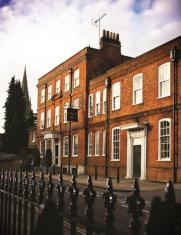 /de-de/hotel-du-vin-and-bistro-winchester/hotel/winchester-gb.html?asq=jGXBHFvRg5Z51Emf%2fbXG4w%3d%3d
