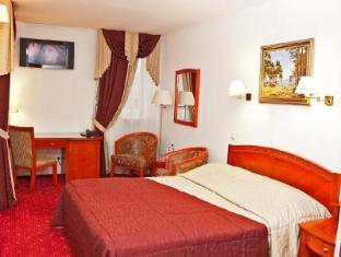 /hi-in/kozatskiy-hotel/hotel/kiev-ua.html?asq=jGXBHFvRg5Z51Emf%2fbXG4w%3d%3d