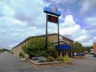 /cs-cz/motel-6-eau-claire-wi/hotel/eau-claire-wi-us.html?asq=jGXBHFvRg5Z51Emf%2fbXG4w%3d%3d