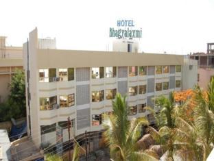 /da-dk/hotel-bhagyalaxmi/hotel/shirdi-in.html?asq=jGXBHFvRg5Z51Emf%2fbXG4w%3d%3d