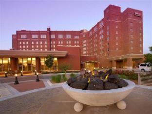/de-de/drury-plaza-hotel-broadview-wichita/hotel/wichita-ks-us.html?asq=jGXBHFvRg5Z51Emf%2fbXG4w%3d%3d