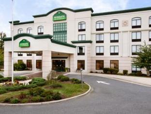 /ar-ae/wingate-by-wyndham-fredericksburg-conference-center/hotel/fredericksburg-va-us.html?asq=jGXBHFvRg5Z51Emf%2fbXG4w%3d%3d