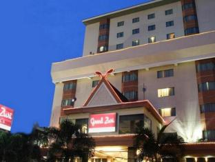 /ca-es/grand-zuri-pekanbaru-hotel/hotel/pekanbaru-id.html?asq=jGXBHFvRg5Z51Emf%2fbXG4w%3d%3d