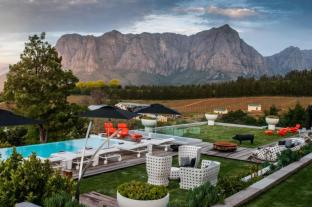 /ro-ro/clouds-wine-and-guest-estate/hotel/stellenbosch-za.html?asq=jGXBHFvRg5Z51Emf%2fbXG4w%3d%3d
