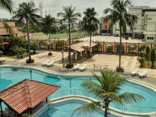 /ca-es/kapuas-palace-hotel/hotel/pontianak-id.html?asq=jGXBHFvRg5Z51Emf%2fbXG4w%3d%3d
