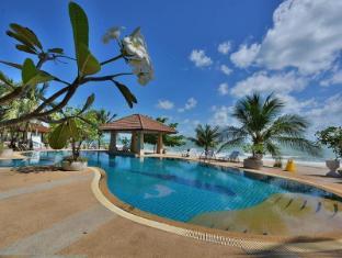 Alongkot Beach Resort Khanom
