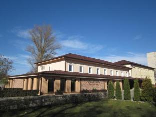 /en-au/penzion-berg/hotel/bratislava-sk.html?asq=jGXBHFvRg5Z51Emf%2fbXG4w%3d%3d