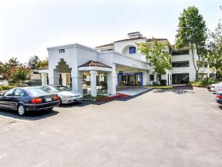 /ca-es/motel-6-sunnyvale-north/hotel/san-jose-ca-us.html?asq=jGXBHFvRg5Z51Emf%2fbXG4w%3d%3d