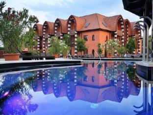 /en-au/meses-shiraz-wellness-hotel-superior/hotel/eger-hu.html?asq=jGXBHFvRg5Z51Emf%2fbXG4w%3d%3d