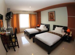 Puri Chorus Hotel