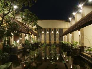/da-dk/lotus-garden-hotel/hotel/kediri-id.html?asq=jGXBHFvRg5Z51Emf%2fbXG4w%3d%3d