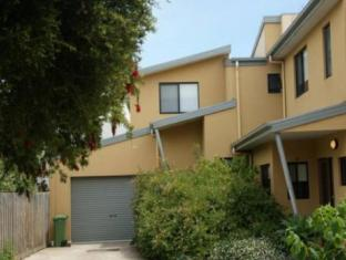 /ar-ae/central-cowes-family-townhouses/hotel/phillip-island-au.html?asq=jGXBHFvRg5Z51Emf%2fbXG4w%3d%3d
