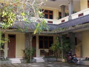 Puri Bunga Inn