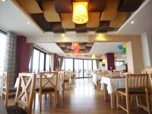 Sunset Westlake Hanoi Hotel