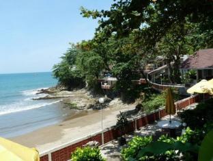 /bg-bg/bunga-ayu-bungalows-restaurant/hotel/pelabuhan-ratu-id.html?asq=jGXBHFvRg5Z51Emf%2fbXG4w%3d%3d