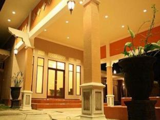 /cs-cz/patria-garden-hotel/hotel/blitar-id.html?asq=jGXBHFvRg5Z51Emf%2fbXG4w%3d%3d