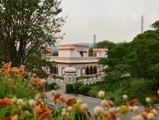 /de-de/nalagarh-heritage-resorts/hotel/nalagarh-in.html?asq=jGXBHFvRg5Z51Emf%2fbXG4w%3d%3d
