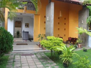 /ar-ae/sanras-holiday-home/hotel/galle-lk.html?asq=jGXBHFvRg5Z51Emf%2fbXG4w%3d%3d