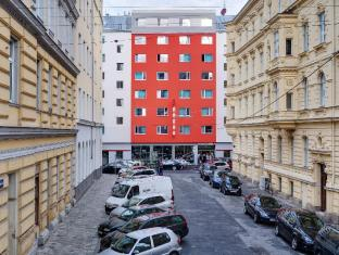 /ro-ro/meininger-hotel-wien-downtown-franz/hotel/vienna-at.html?asq=jGXBHFvRg5Z51Emf%2fbXG4w%3d%3d