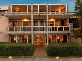 /bg-bg/bay-breeze-boutique-motel/hotel/batemans-bay-au.html?asq=jGXBHFvRg5Z51Emf%2fbXG4w%3d%3d