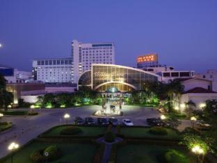 /cs-cz/holiday-palace-casino-resort/hotel/ou-chrov-kh.html?asq=jGXBHFvRg5Z51Emf%2fbXG4w%3d%3d