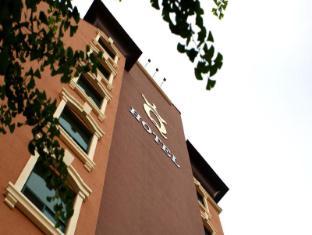Goodstay Q Hotel