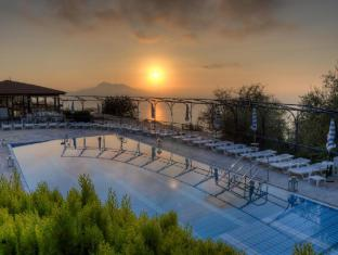 /ca-es/gocce-di-capri-hotel-serviced-residence/hotel/massa-lubrense-it.html?asq=jGXBHFvRg5Z51Emf%2fbXG4w%3d%3d