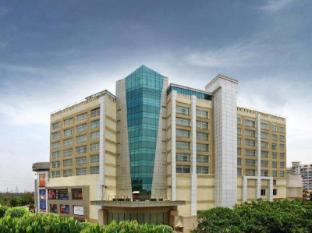 /lv-lv/mahagun-sarovar-portico-suites-hotel/hotel/new-delhi-and-ncr-in.html?asq=jGXBHFvRg5Z51Emf%2fbXG4w%3d%3d