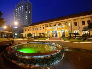 Tan Son Nhat Hotel