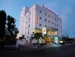 /ca-es/new-hollywood-hotel/hotel/pekanbaru-id.html?asq=jGXBHFvRg5Z51Emf%2fbXG4w%3d%3d