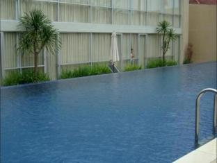 Royal Hotel n' Lounge