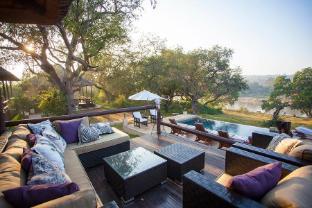 /da-dk/kurhula-wildlife-lodge/hotel/hoedspruit-za.html?asq=jGXBHFvRg5Z51Emf%2fbXG4w%3d%3d