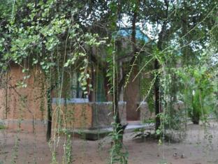 /da-dk/clay-hut-village/hotel/polonnaruwa-lk.html?asq=jGXBHFvRg5Z51Emf%2fbXG4w%3d%3d