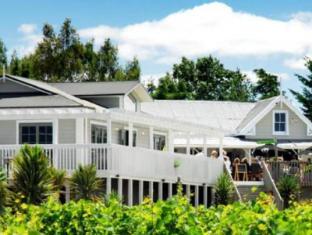 /ca-es/huka-falls-resort/hotel/taupo-nz.html?asq=jGXBHFvRg5Z51Emf%2fbXG4w%3d%3d