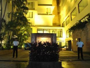 /ca-es/hotel-dynasty/hotel/guwahati-in.html?asq=jGXBHFvRg5Z51Emf%2fbXG4w%3d%3d