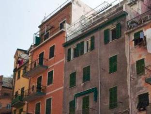 /et-ee/alla-marina-affittacamere/hotel/riomaggiore-it.html?asq=jGXBHFvRg5Z51Emf%2fbXG4w%3d%3d