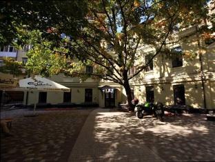 /ar-ae/dream-house-hostel/hotel/kiev-ua.html?asq=jGXBHFvRg5Z51Emf%2fbXG4w%3d%3d