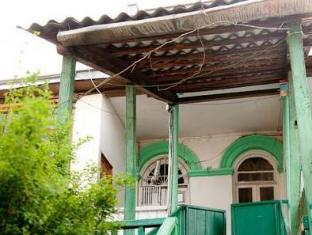 /ar-ae/green-stairs-guest-house/hotel/tbilisi-ge.html?asq=jGXBHFvRg5Z51Emf%2fbXG4w%3d%3d