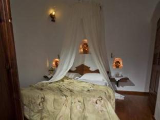 /el-gr/delfini-villas/hotel/santorini-gr.html?asq=jGXBHFvRg5Z51Emf%2fbXG4w%3d%3d